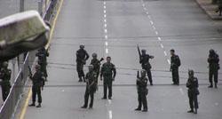 Soldati per le strade diRangoon