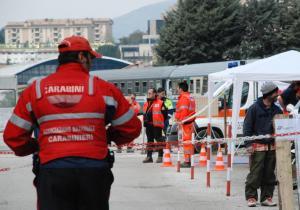 Stazione dell'Aquila, tendopoli allestita dai volontari dell'Associazione Nazionale Carabinieri di Torino