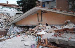 Palazzina crollata in via D'Annunzio
