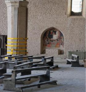 La basilica di Collemaggio lesionata dal sisma